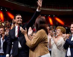 Beatriz Carvajal en primera fila durante la proclamación de Pedro Sánchez