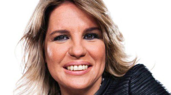 Carmen porter celebra sus seguidores en twitter for Twitter cuarto milenio