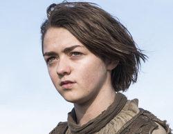 Maisie Williams comienza el rodaje de la sexta temporada de 'Juego de tronos' pasada por agua