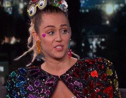 Miley Cyrus presume de pecho durante su visita al show de Jimmy Kimmel