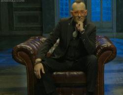 El director Álex de la Iglesia y la modelo Blanca Padilla se sientan en 'Al rincón'