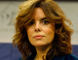Soraya Saénz de Santamaría se queda atrapada en un avión con decenas de periodistas