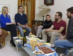 'Salvados' sienta a Cristina Cifuentes con una familia catalana para hablar de la independencia