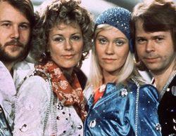 Los cuatro integrantes de ABBA se reúnen, tras ocho años, para inaugurar un bar temático