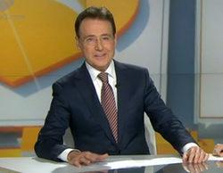Matías Prats regresó, con gafas y broma, a 'Antena 3 Noticias' tras 4 meses de baja