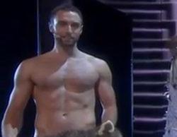 Måns Zelmerlöw se desnuda en la segunda semifinal de Eurovisión y lanza un mensaje contra las leyes antigays