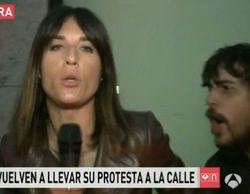 """Blanca Basiano ('A3N'), hostigada por uno de los okupas de Barcelona al grito de """"terroristas sois los periodistas"""""""