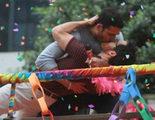 """Miguel Ángel Silvestre se desnuda en la """"nueva orgía"""" de 'Sense8' en el Orgullo Gay de São Paulo"""