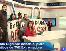 Multas de 540 a 900 euros para los activistas que irrumpieron en el plató de TVE Extremadura