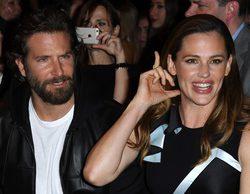 El emotivo reencuentro de los protagonistas de 'Alias', Jennifer Garner y Bradley Cooper, en París