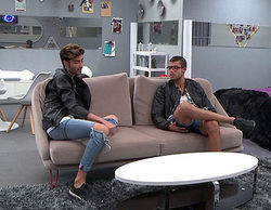 Miguel declara su amor a Pol durante su estancia en el apartamento de 'Gran Hermano 17'