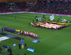 TV3 señala a los jugadores del Barça y el Espanyol que no cantaron el himno de Cataluña