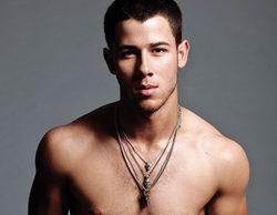 Nick Jonas lo vuelve a hacer y posa sin camiseta en Snapchat