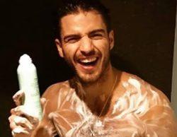 Maxi Iglesias cuelga una foto donde aparece desnudo en la ducha