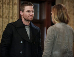 "'Arrow' 5x08 Recap: ""Invasion (Heroes vs Aliens part.3)"""