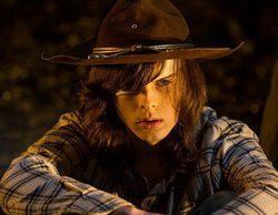 'The Walking Dead': Negan obliga a Carl a quitarse la venda del ojo y a cantarle una canción