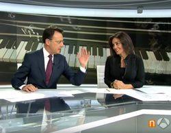 Matías Prats se anota un nuevo chiste con los villancicos en 'Antena 3 Noticias fin de semana'