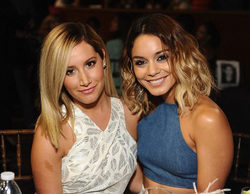 Ashley Tisdale y Vanessa Hudgens ('High School Musical') se reencuentran para cantar en un emotivo dueto
