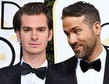 Andrew Garfield y Ryan Reynolds se funden en un apasionado beso durante los Globos de Oro