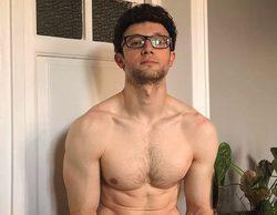 César Toral, Escaleto en 'Sálvame', se desnuda para desafiar al invierno