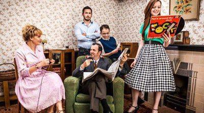 Atresmedia prepara la adaptación de 'Back in time for dinner', reality donde varias familias viajan al pasado