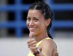 'Amar es para siempre': La corredora olímpica Isabel Macías visita el set de rodaje de la serie