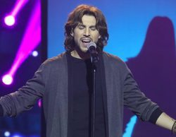 'Tu cara no me suena todavía': Raúl Ogalla gana la tercera gala con su imitación de Manuel Carrasco