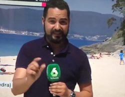 Dos jugadoras de palas trolean a un reportero de laSexta en pleno directo en la playa