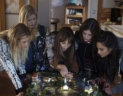 "'Pretty Little Liars' Recap 7x12: ""These Boots Were Made For Stalking"""