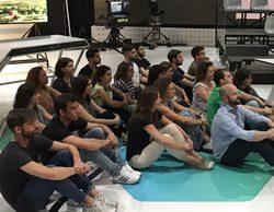 'Más vale tarde': Sentada solidaria para unirse a la campaña 'Sick of Waiting' dedicada a los refugiados
