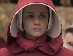 'The Handmaid's tale': Hulu saca a pasear a sus damas de rojo por Los Ángeles en una campaña por los Emmy