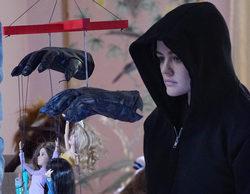 "'Pretty Little Liars' Recap 7x16: ""The Glove That Rocks the Cradle"""