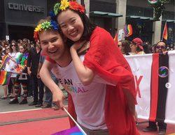 'Por 13 razones': El reparto de la serie celebra el Día del Orgullo LGTB durante el San Francisco Pride