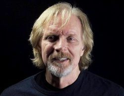 Muere Randy Schell, voz de 'Fear The Walking Dead', en un accidente de paracaídas
