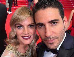Amaia Salamanca y Miguel Ángel Silvestre rememoran 'Sin tetas no hay paraíso' en los Premios Platino