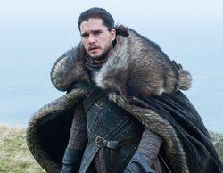 Kit Harington ('Juego de tronos') se cree un dragón en un vídeo de Emilia Clarke