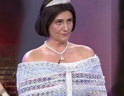 Carlota Corredera consigue su propio cuadro pujando en la subasta benéfica de 'Sálvame'