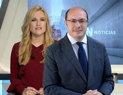La cadena pública de Murcia no menciona los casos de corrupción en la dimisión del expresidente Sánchez