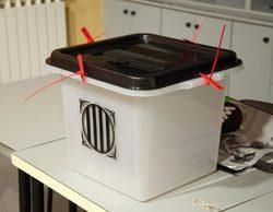 Una reportera de Mediaset comprueba que se puede votar más de una vez en el referéndum catalán