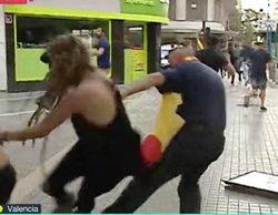 'Más vale tarde' corta uno de sus directos en Valencia por la patada de un hombre a una mujer