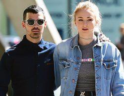 Joe Jonas y Sophie Turner se van de compras por el madrileño barrio de Malasaña