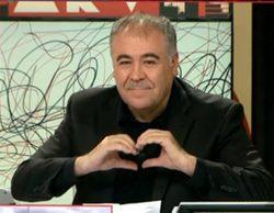 Antonio Gª Ferreras le dedica un cariñoso gesto a Ana Pastor sin darse cuenta de que está en directo