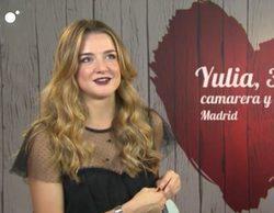 Yulia aparece por sorpresa en 'First Dates' para subirse al escenario a cantar