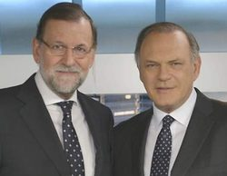 Pedro Piqueras, centro de las críticas tras evitar hablar de corrupción en su entrevista a Mariano Rajoy