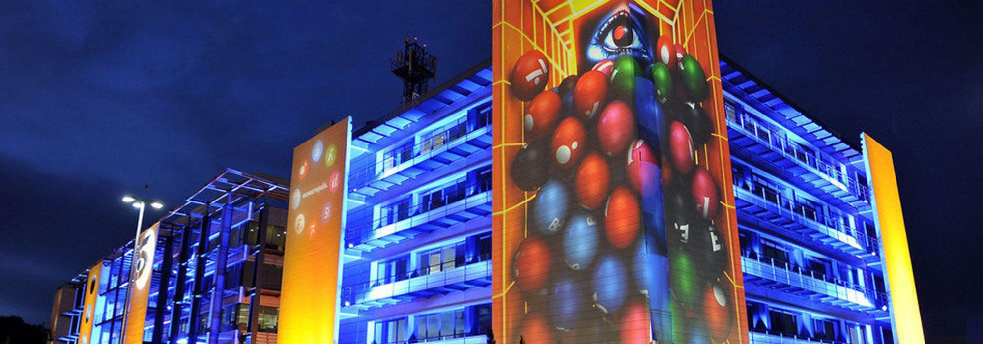 Telecinco en 2017: 9 miradas a un año en el que la revolution falló, la ficción sobresalió y la música brilló