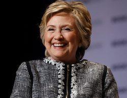 """Hillary Clinton es fan de 'Madam Secretary' o 'The Crown' y destaca 'The Handmaid's Tale': """"Es sorprendente"""""""
