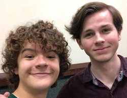 Dustin ('Stranger Things') y Carl ('The Walking Dead') posan juntos en una convención en Monterrey