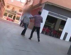 'Espejo Público': Un reportero del programa recibe una brutal agresión en pleno directo