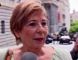 Celia Villalobos da un manotazo al micrófono de 'laSexta noche' al enfadarse por la preguntas de Andrea Ropero