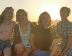 'Las chicas del cable' dejan la compañía telefónica para disfrutar de las playas gaditanas